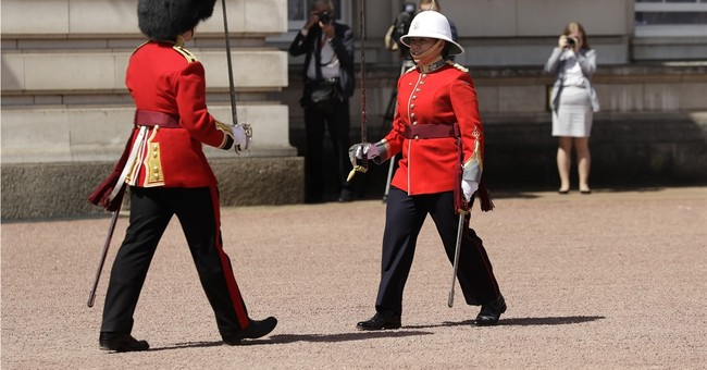Woman leads UK Changing of the Guard ceremony