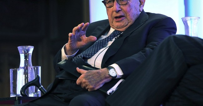 Kissinger: Chaos in the west could give boost to Russia