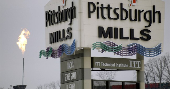 Foreclosed mall once valued at $190M is auctioned for $100