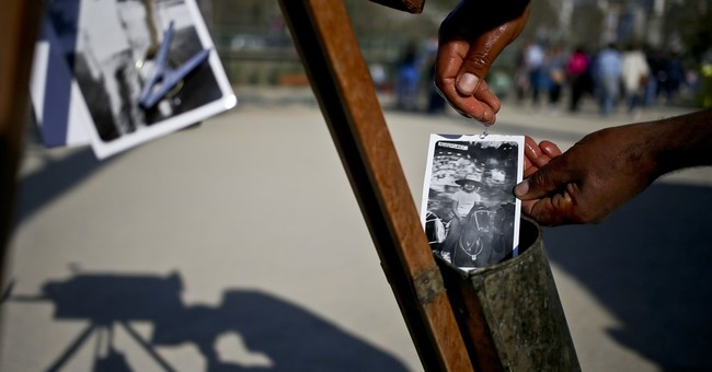 AP PHOTOS: Chilean dreams of rescuing box camera photography