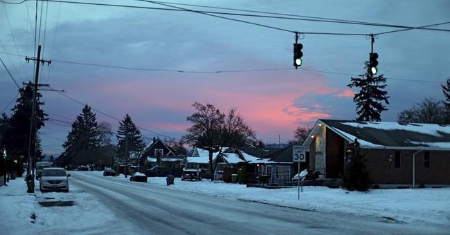 Ice storm paralyzes parts of Oregon, Washington state
