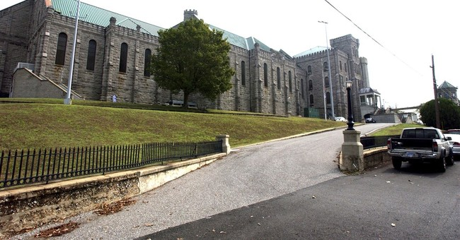 Kentucky prison placed on lockdown after workers attacked
