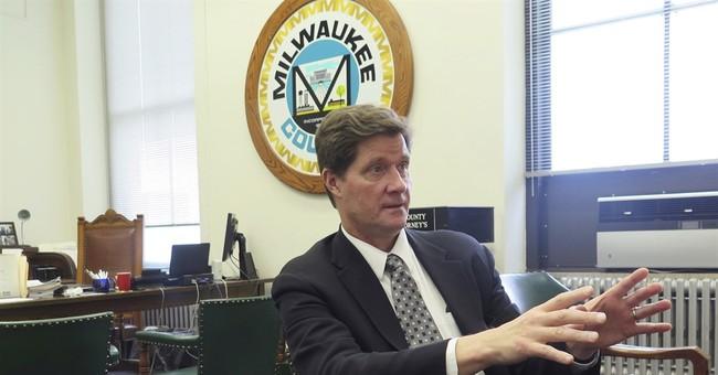 In Milwaukee, prosecutors hit neighborhoods, not just court