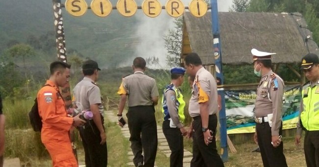 The Latest: Indonesian aid helicopter crash kills 8 rescuers