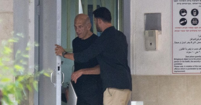 Former Israeli PM Olmert leaves prison, heads to mall