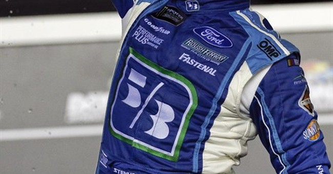 Ricky Stenhouse Jr. wins crash-filled race at Daytona