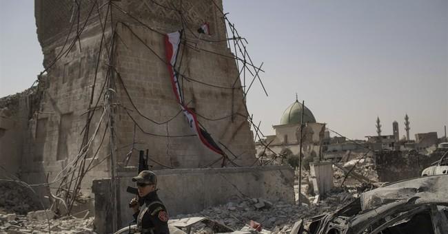 Airstrikes propel Mosul gains, despite toll on civilians
