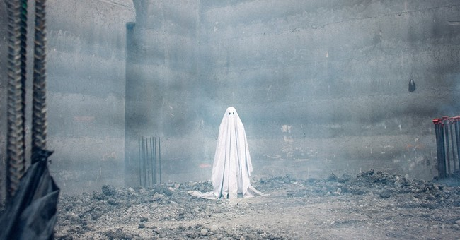 Review: 'A Ghost Story' casts a bizarre spell