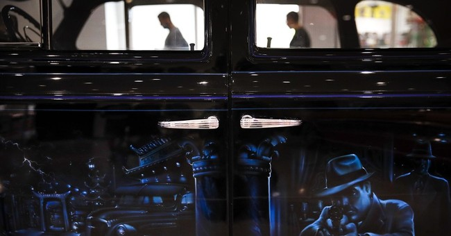 Museum exhibits lowrider cars, the artwork they've inspired