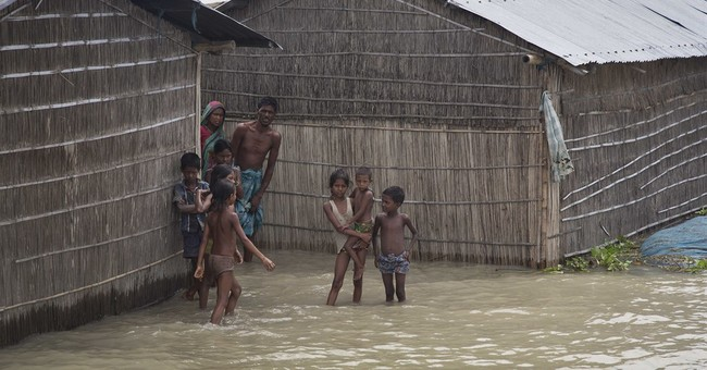 Monsoon floods kill 20 in India, leave thousands homeless