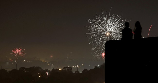 US celebrates July Fourth with parades, fireworks, hot dogs