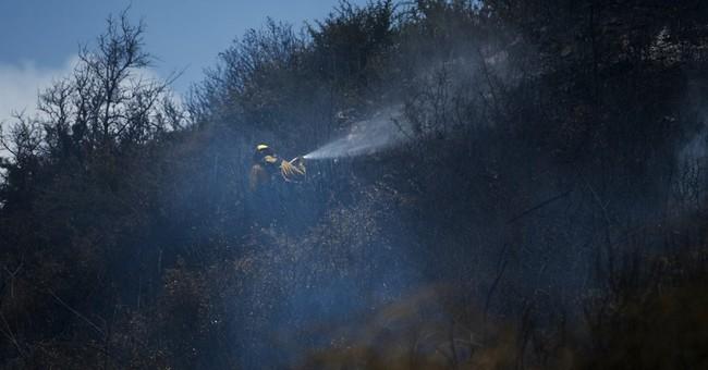 Fire forces hundreds of evacuations near Colorado ski resort