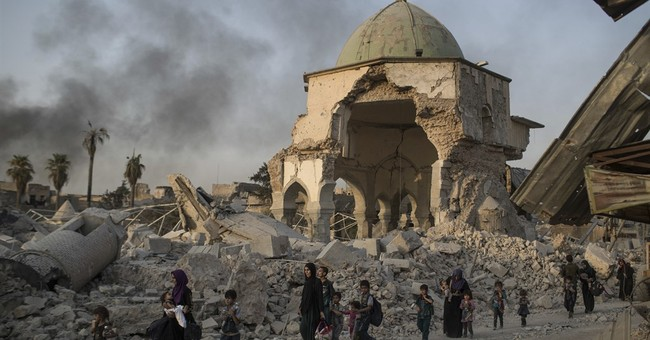 Iraqi commanders say IS families have joined Mosul fight