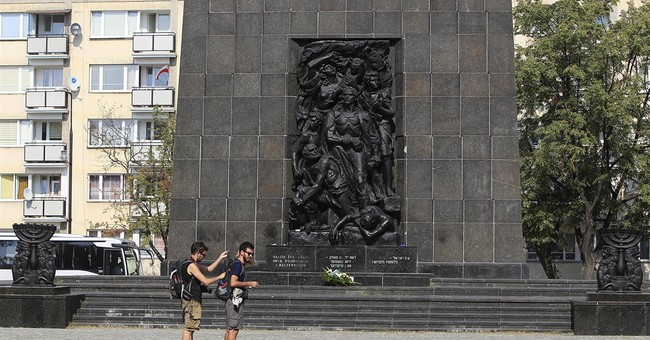 Trump speech takes place at famed Warsaw Uprising monument