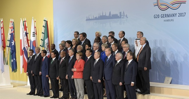 Protocol pushes Trump to the edge _ of G-20 photo