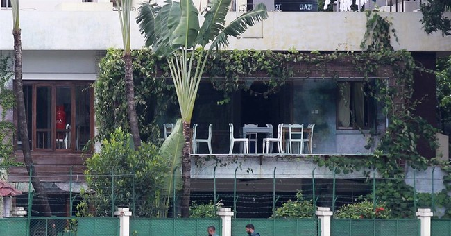 Bangladesh police arrest key suspect in Dhaka cafe attack