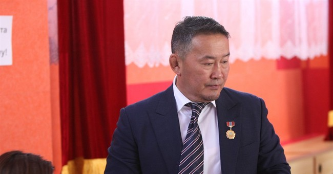 Ex-judo star poised to win Mongolia presidential runoff