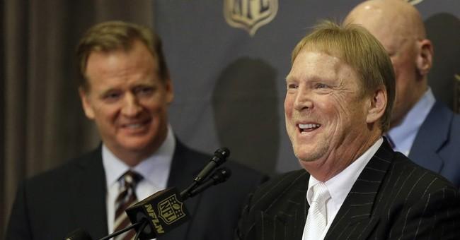 Jackpot! Vegas looks to score big win by landing Raiders
