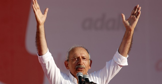 Turkey's opposition leader visits prison and demands justice