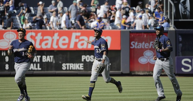 Shaw, Vogt homer, NL Central-leading Brewers beat Yanks 5-3