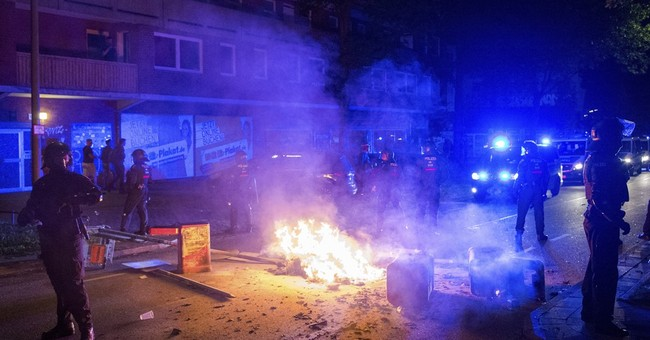 Activists riot against G-20 summit for 3rd night in Hamburg