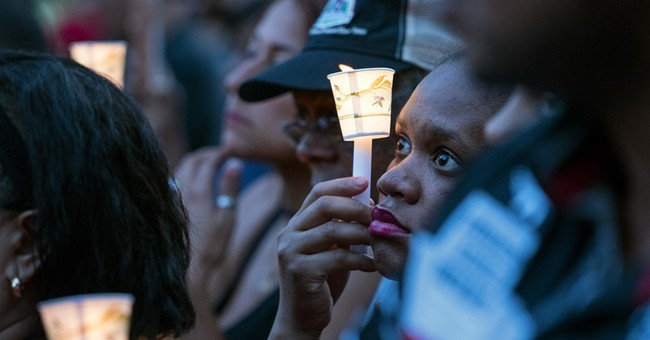 Hundreds pay tribute to slain New York City police officer