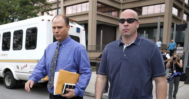 Chicago cop, 2 ex-cops enter pleas in Laquan McDonald case