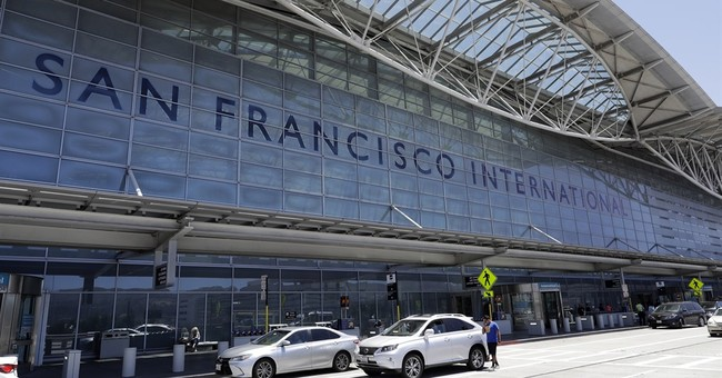 Abort! Airliner nearly lands on other San Francisco planes