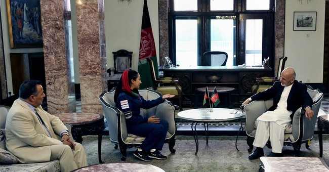 Afghan-American female pilot seeks to inspire young women