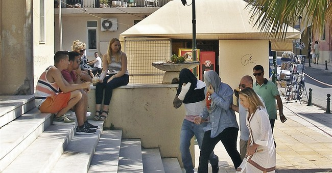 Suspects in beating death of US tourist are in Greek court