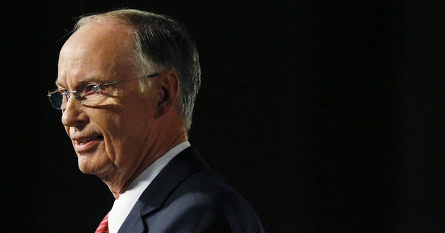 Disgraced ex-Alabama governor wants his gun permit back