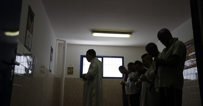 Italy uses imams in prisons to deter extremism among inmates