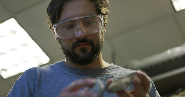 Re-creating old weapons for new discoveries of human history