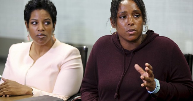 Police chief meets with Texas mom who recorded sons' arrests