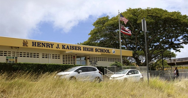 Hawaii soldier held without bail on terrorism charges