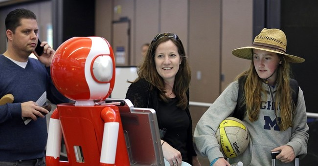 Robot helps passengers through Seattle airport security