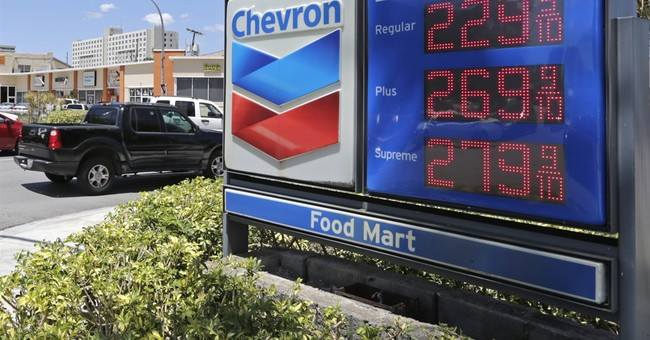 Cheaper gas, wireless plans keep US inflation in check