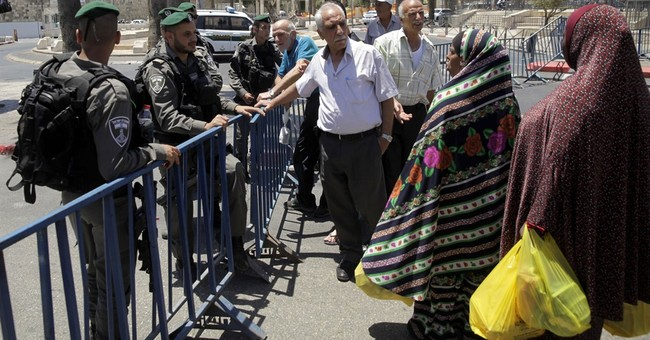 The Latest: Muslim worshippers visit Jerusalem holy site