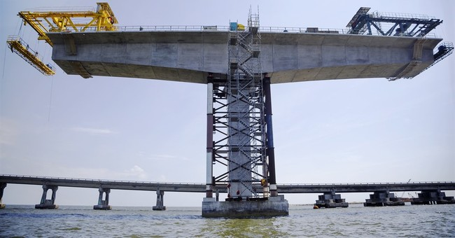 Construction of new Outer Banks bridge attracts sightseers