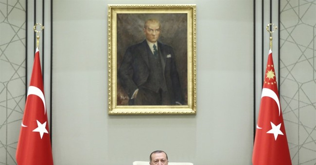 Turkey arrests man with 'hero' T-shirt during coup trial
