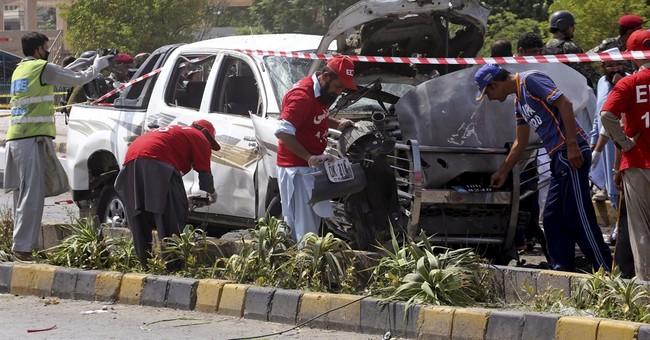 Separate attacks target Pakistan paramilitary force, kill 3