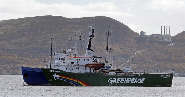 Tribunal: Russia must pay damages for seizing protest ship