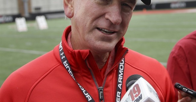 Former Auburn coach Tuberville joins ESPN as game analyst