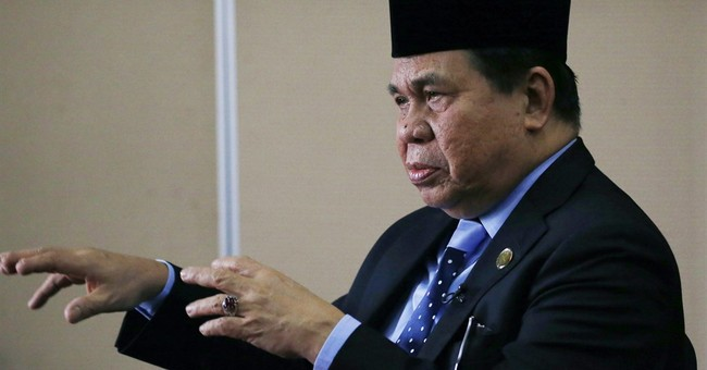 AP Interview: Filipino rebel refuses to broker for militants