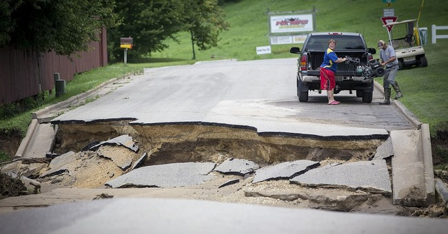 Powerful storms cause damage, flooding in Midwest