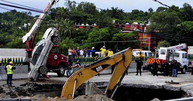 Mexican highway sinkhole that killed 2 exposes corruption