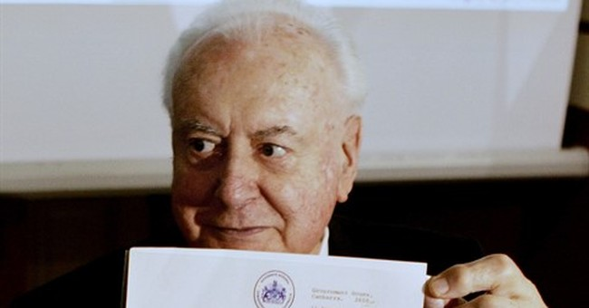 Historian asks Australian court to reveal Queen's letters
