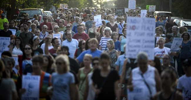 Somalis in Minneapolis on defensive after police shooting