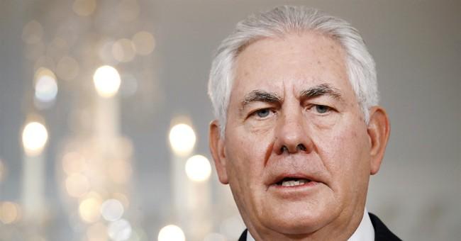 Tillerson urges Qatar's neighbors to lift land blockade