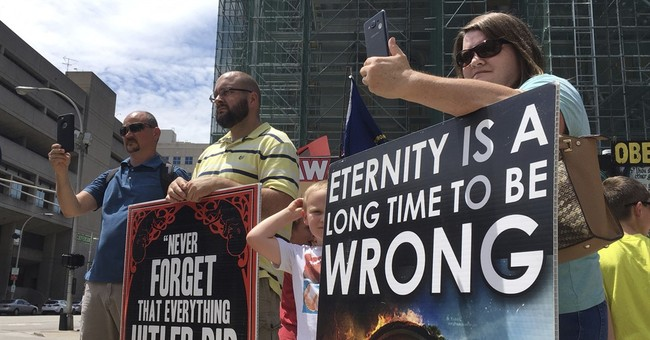 Abortion opponents let Kentucky clinic buffer zone stand